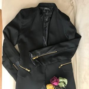 Black everyday blazer with sleeve zipper detail